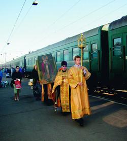 Крестный ход на вокзале в Иркутске
