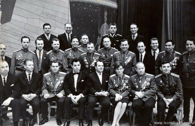 Встреча с первыми космонавтами